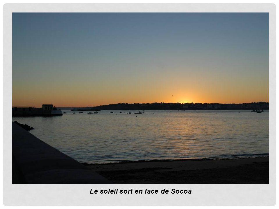 Le soleil sort en face de Socoa