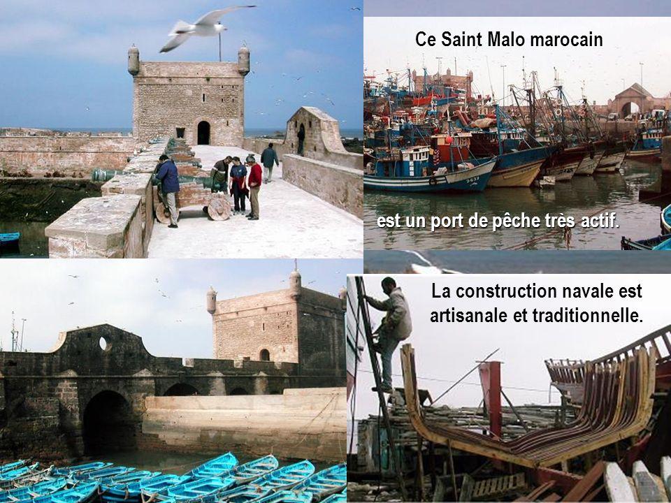 La construction navale est artisanale et traditionnelle. est un port de pêche très actif. Ce Saint Malo marocain