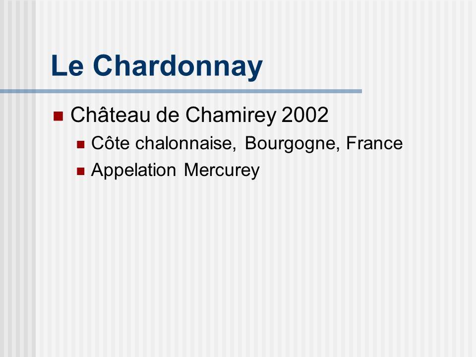 Château de Chamirey Lhistorique Erigé au début du 18ème siècle Propriété appartenant à la famille du Marquis de Jouennes d Herville Amaury et Aurore Devillard: 5ème génération de Bourguignons, hommes et femmes du vin En 1934, début de mise en bouteille des vins du Château de Chamirey au Domaine