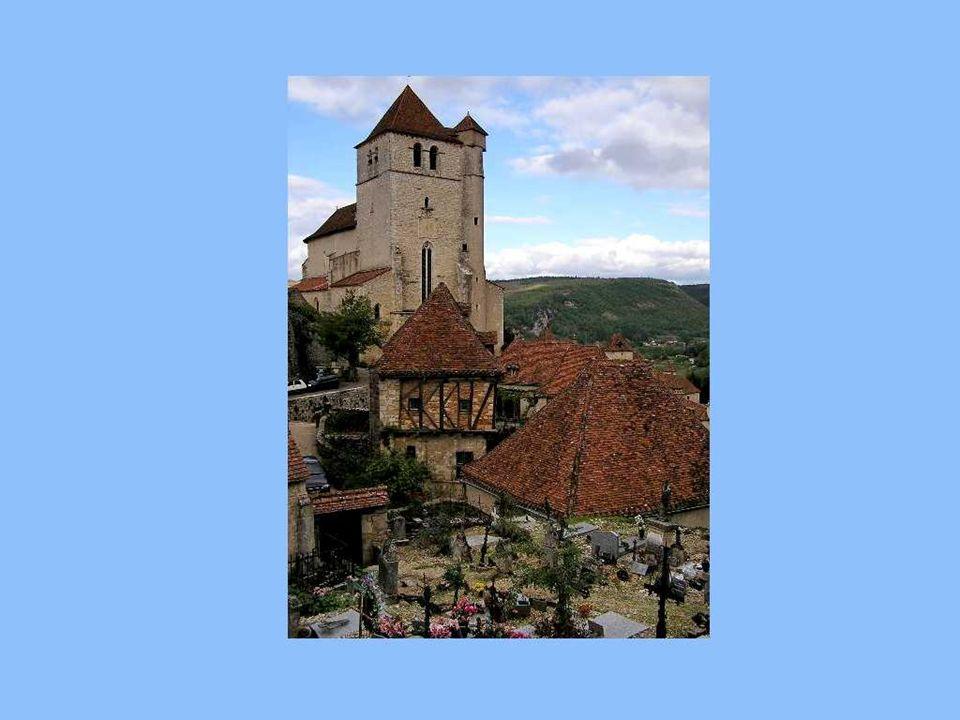 Encore aujourdhui, le village est le seul en France où des artisans-tourneurs fabriquent des robinets en bois de buis pour les barriques de vin!