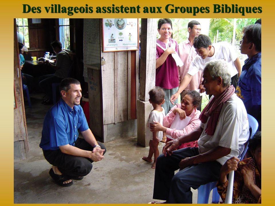 Transformation spirituelle de bien des villageois Des coeurs souvrent, des vies sont changées