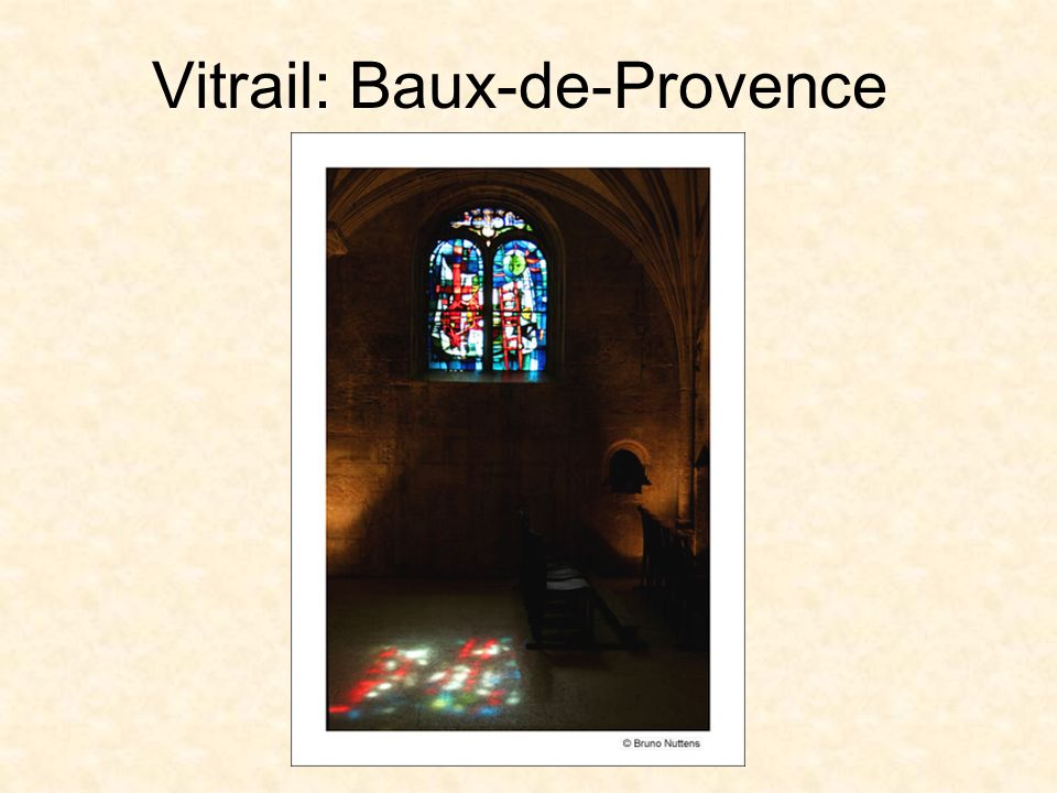 La Bible en sculpture ou peinture Ancienne abbatiale Sainte-Croix de Bouzonville, tympan gothique du portail occidental, scène de crucifixion.