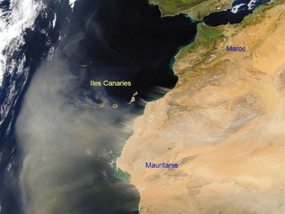 Le sud de la péninsule ibérique. Une tempête de sable quitte la Mauritanie. Les îles Canaries