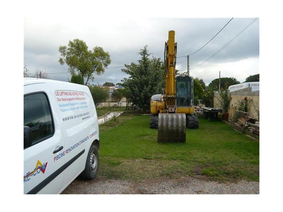 7 octobre 2013 - Le matériel arrive la veille, une 8 tonnes
