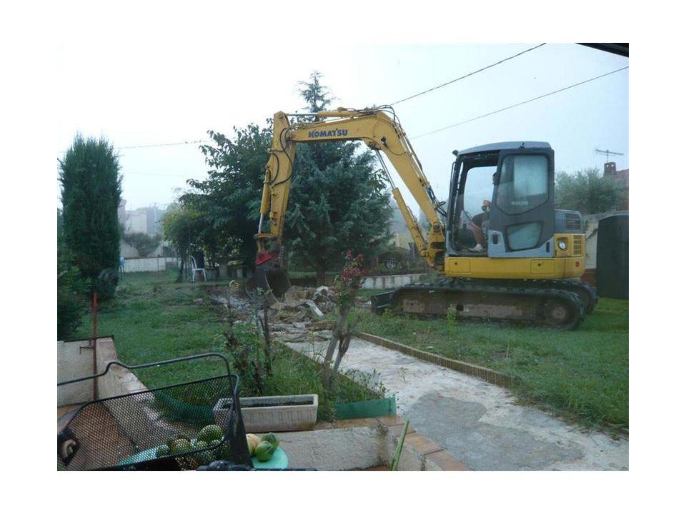 8 octobre 2013 - Destruction du chemin en béton