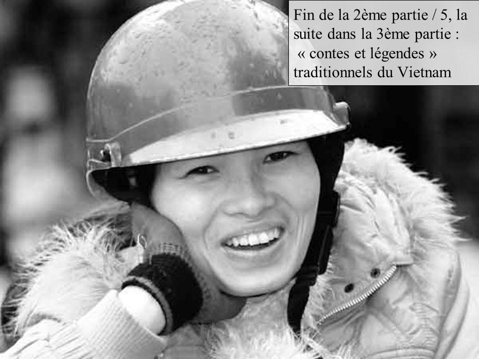 Dans le passé, Le Áo dài était la tenue de tous les jours, portés par les hommes et les femmes.