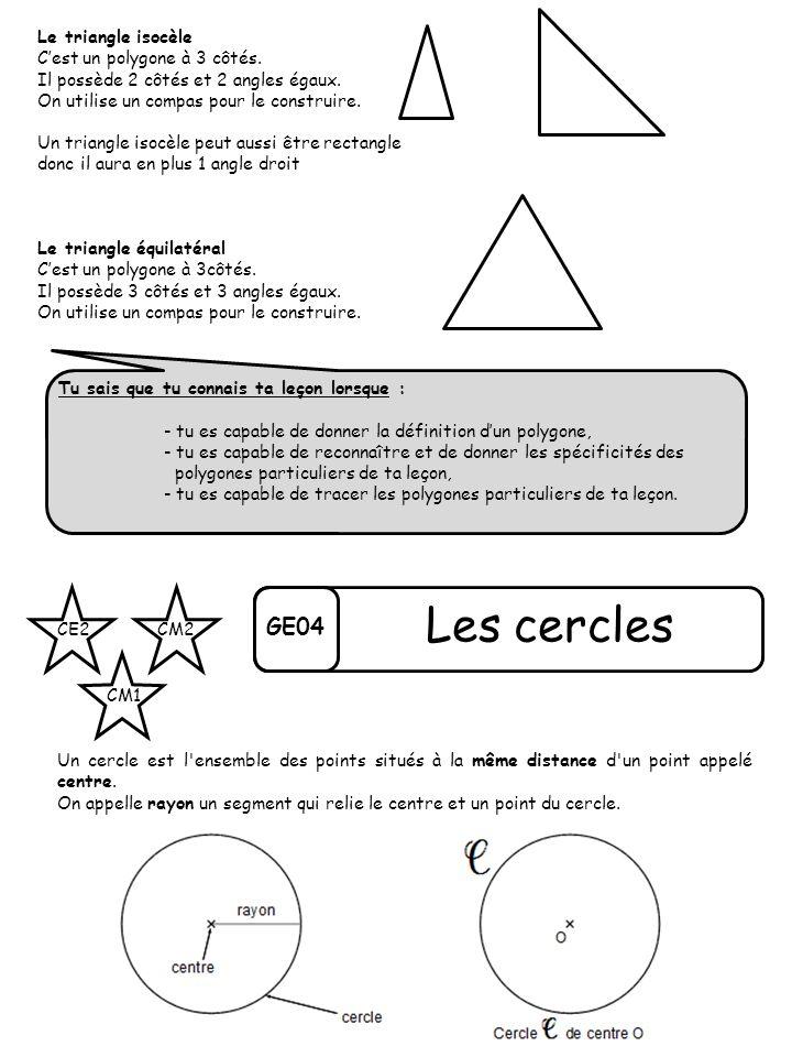 Le triangle isocèle Cest un polygone à 3 côtés. Il possède 2 côtés et 2 angles égaux. On utilise un compas pour le construire. Un triangle isocèle peu