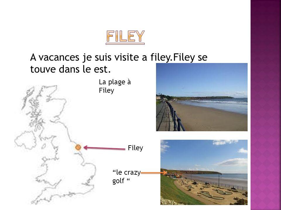 A vacances je suis visite a filey.Filey se touve dans le est. Filey La plage à Filey le crazy golf