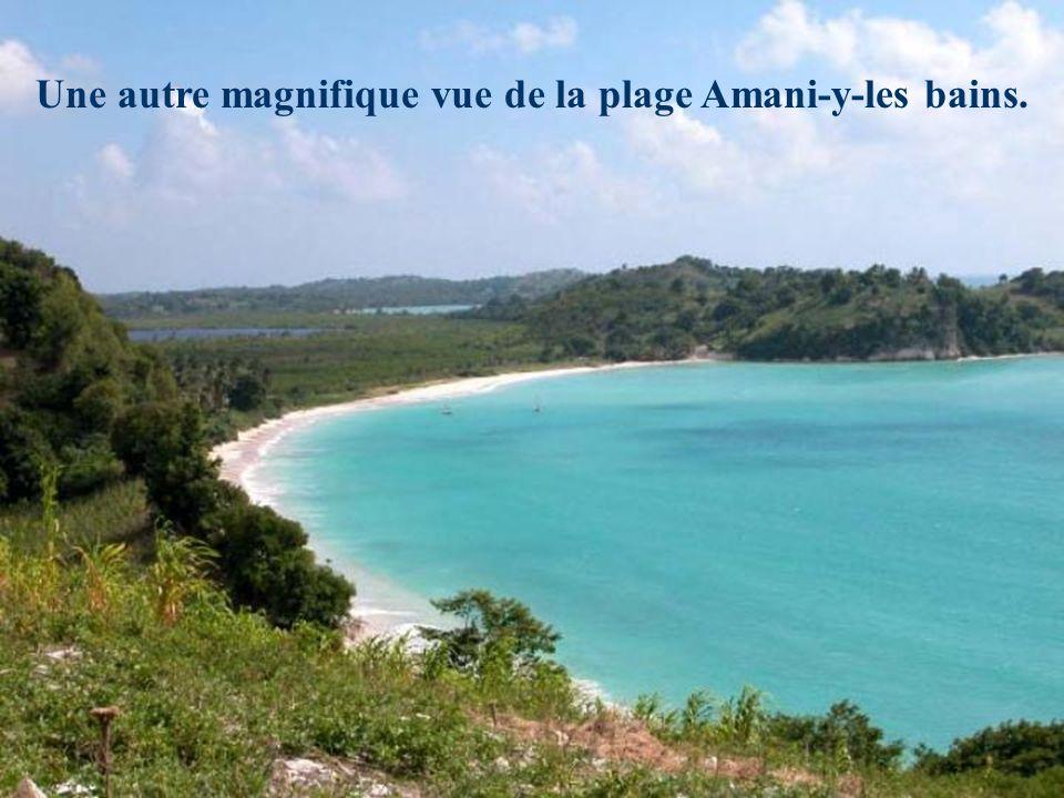 Amani-y-les bains! Lune des jolies plages au Nord de Port-au-Prince. (Tout près de la ville de Saint-Marc, au bas de L'artibonite)