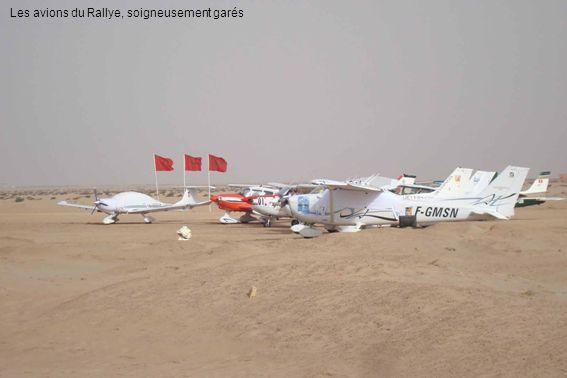 Les avions du Rallye, soigneusement garés