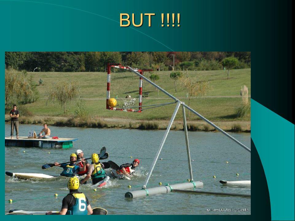 Un peu de contact On peut se positionner sur le pont du kayak dun adversaire.