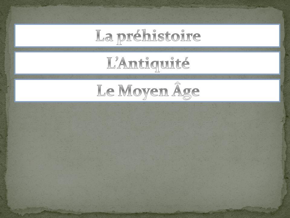 La Révolution française Le roi Louis XVI sera guillotiné pendant la Révolution française: on retient généralement que cest la période de la chute de la Monarchie