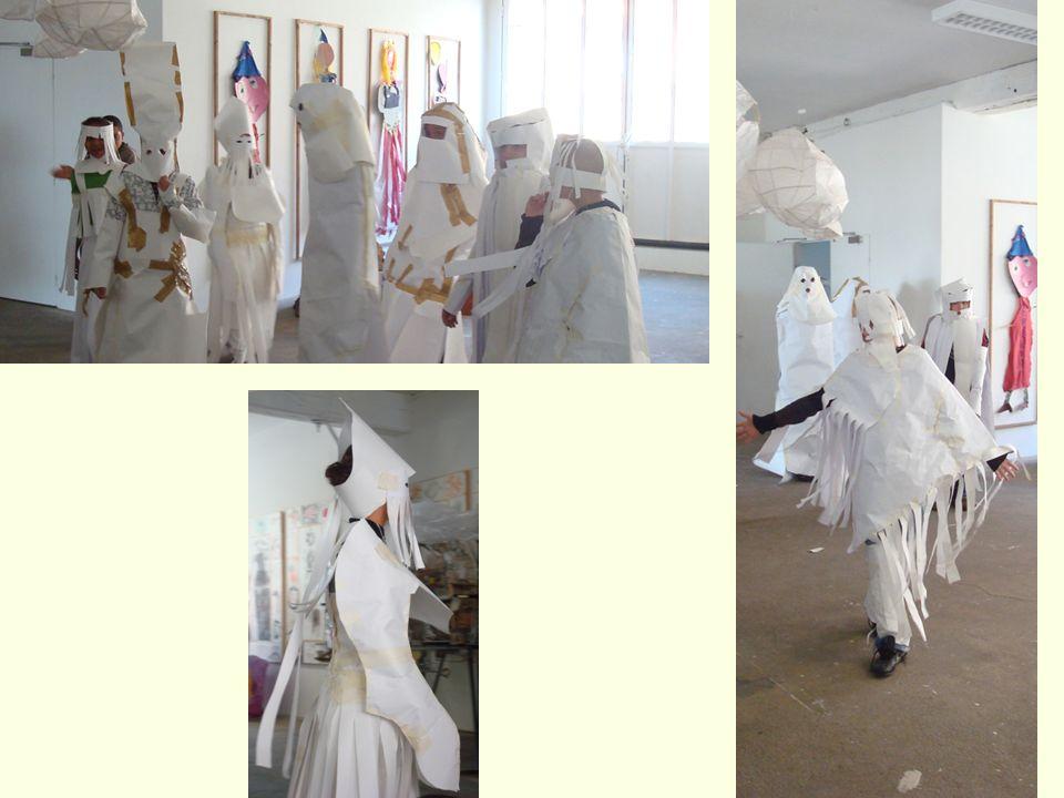 Merci à tous ceux qui ont participé à la mise en place et à la réalisation de ces costumes de miroirs.