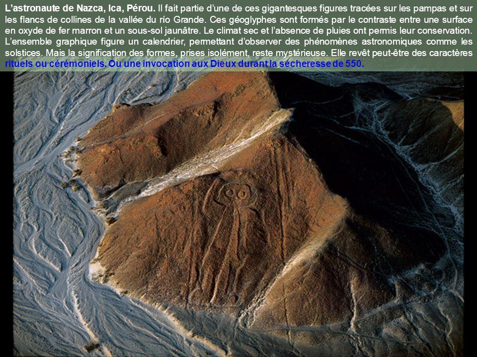 Chemin Hiram Bingham menant au Machu Picchu, région de Cuzco, Pérou. En 1911, lhistorien américain Hiram Bingham découvrait le Machu Picchu, cité inca