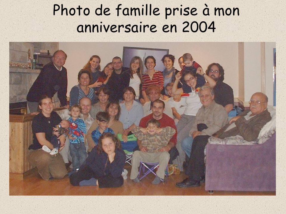 Les filles dHervé, issues de sa première union, et ses petits-enfants Nadine Renaud et Charlotte Virginie
