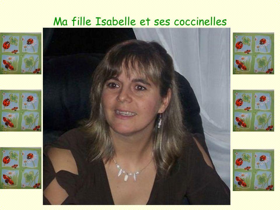 Les trois filles de Renée et Hervé Joanie Amélie Fanie Croiriez-vous quAmélie et Fanie sont jumelles?