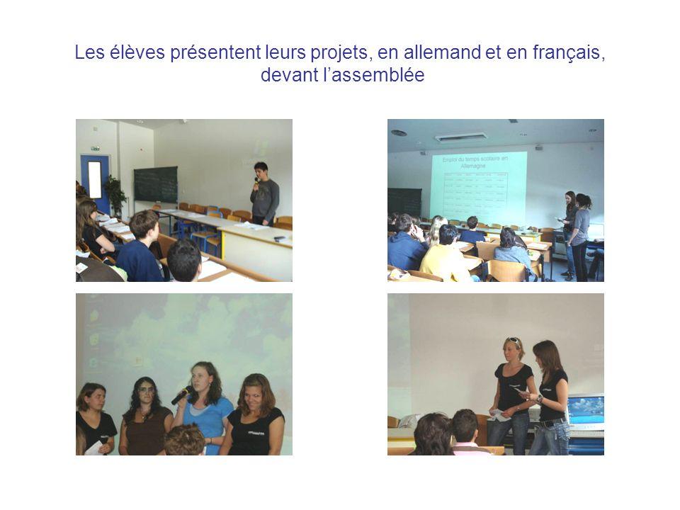 Les élèves présentent leurs projets, en allemand et en français, devant lassemblée