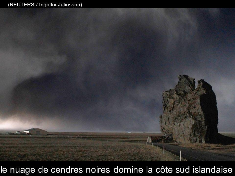 vue au téléobjectif de la ferme située à proximité du volcan Eyjafjallajökull (KOLBEINS HALLDOR / AFP / Getty Images)