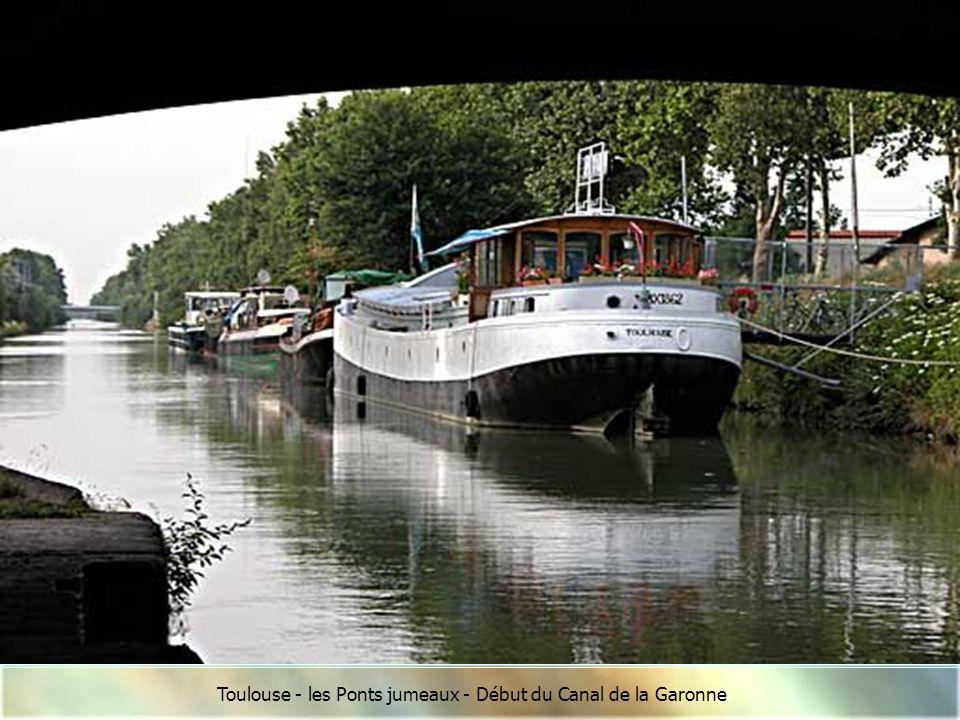 Toulouse - L'arrivée du Canal du Midi aux Ponts jumeaux