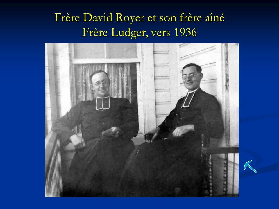 Frère David Royer et son frère aîné Frère Ludger, vers 1936