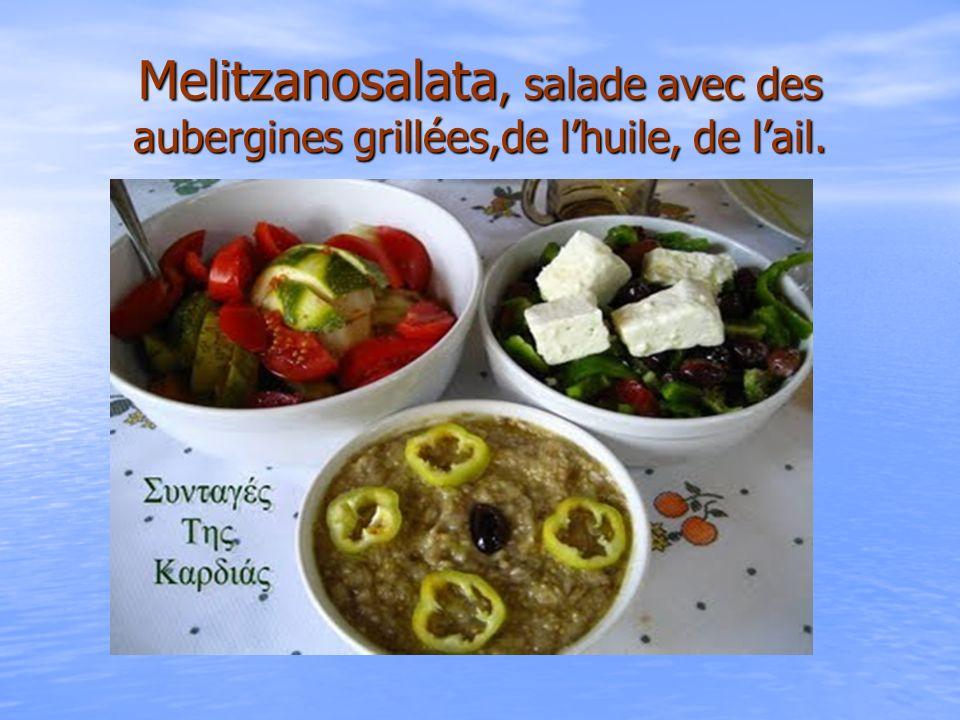 Melitzanosalata, salade avec des aubergines grillées,de lhuile, de lail.