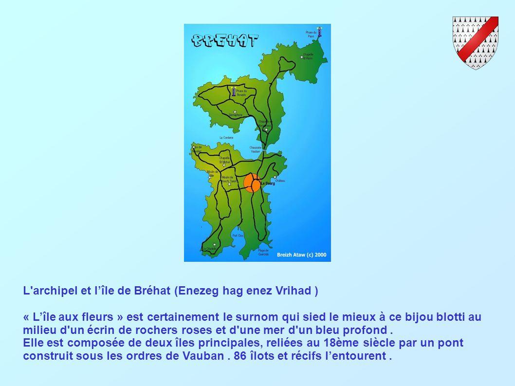 L archipel et lîle de Bréhat (Enezeg hag enez Vrihad ) « Lîle aux fleurs » est certainement le surnom qui sied le mieux à ce bijou blotti au milieu d un écrin de rochers roses et d une mer d un bleu profond.