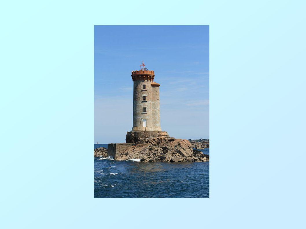 Ile de Batz ( Enez Vaz) Petite île au climat presque exotique au large des Côtes d Armor.