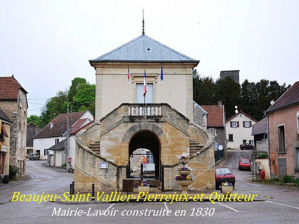 Dampierre-sur-Salon La mairie lavoir