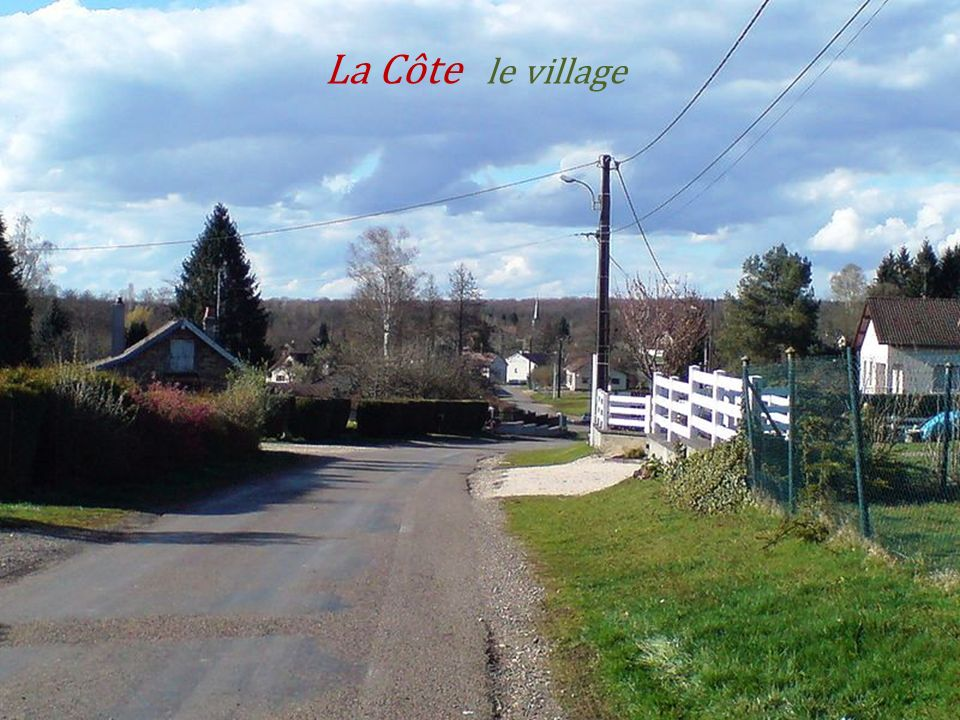 Vue sur la commune Chasey-lès-Montbozon... La rivière lOgnon.