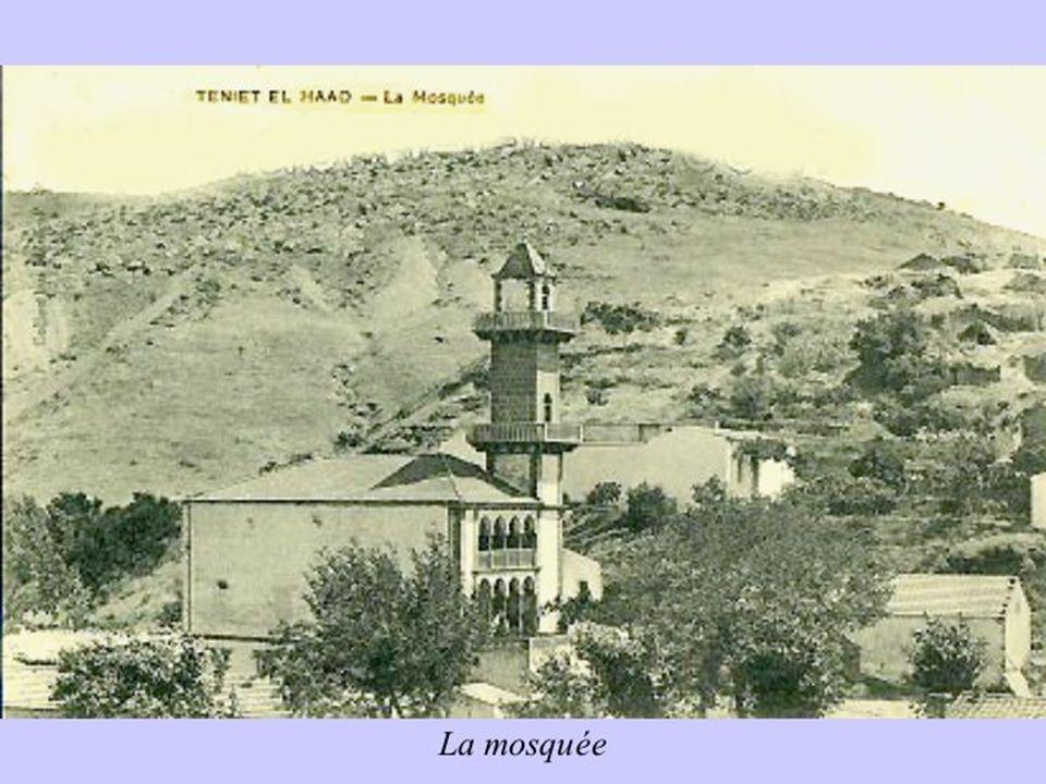 Né le 7 septembre 1905 à Bône (Algérie).Décédé le 20 août 1969 à Paris.
