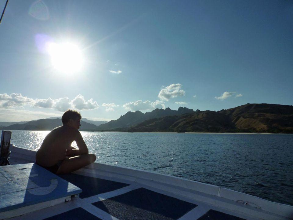 On décide donc de noter toutes les anomalies de cette croisière étrange en vue de sexpliquer avec le patron à notre retour sur Bali… Vaut toujours mieux sadresser à Dieu quà ses Saints .
