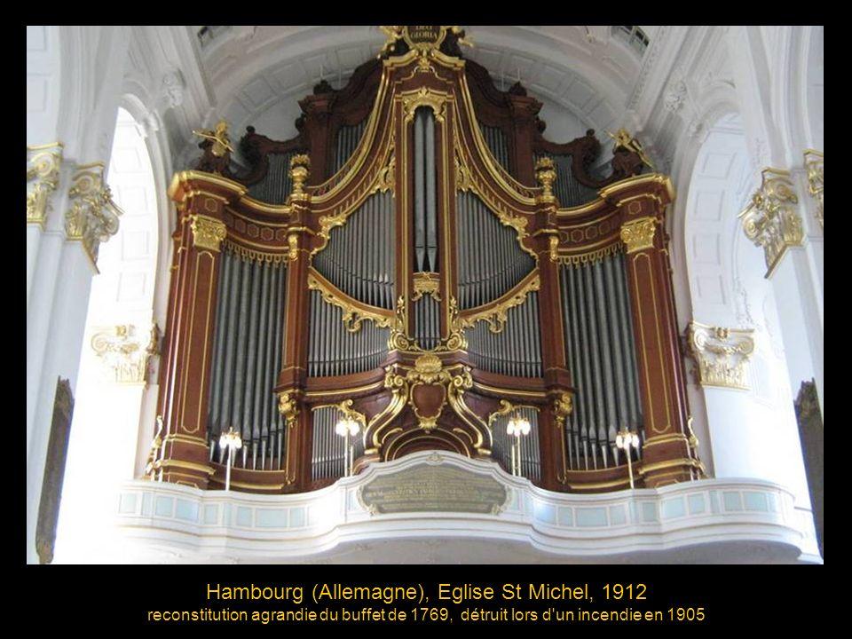 Lübeck (Allemagne), Eglise St Jacques, buffet 1504, positif 1573, tours 1637 L édifice et l orgue ont échappé au bombardement de 1942 qui détruisit une partie du centre ville