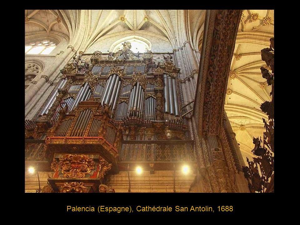 Abergavenny, Pays de Galles(Grande-Bretagne) Prieuré Ste-Marie, 1861 pays où les tuyaux d orgue sont souvent richement décorés