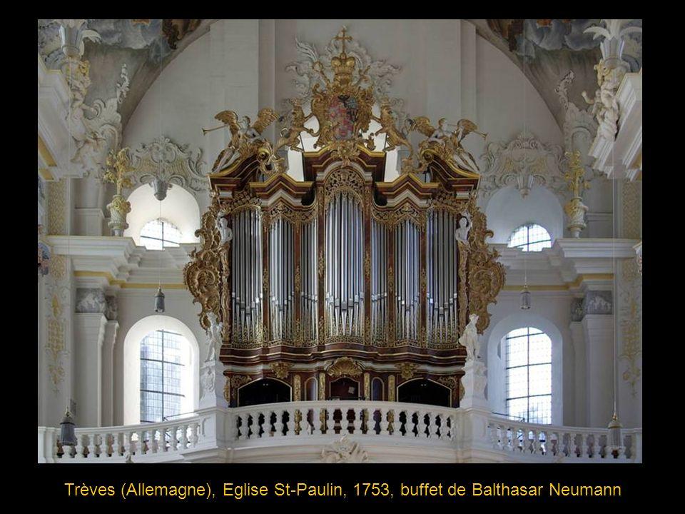 Weingarten (Allemagne), Abbatiale St-Martin, 1737 Joseph Gabler a réalisé ici un véritable exploit en insérant l orgue autour de six fenêtres de l édifice.