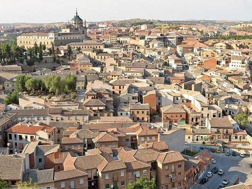 CATHEDRALE Unique en Espagne elle est une pièce spectaculaire de larchitecture et de lart espagnol.