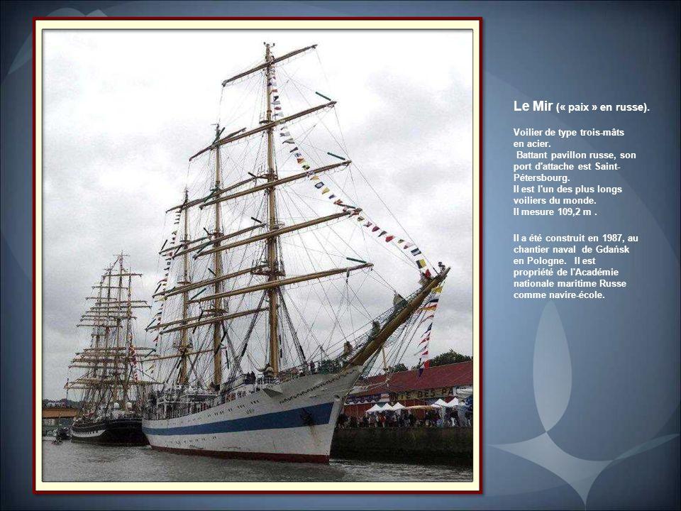 Le Götheborg. Réplique, d'un navire du XVIII e siècle de la Compagnie suédoise des Indes orientales. Construite entre 1995 et 2003 et baptisée par la