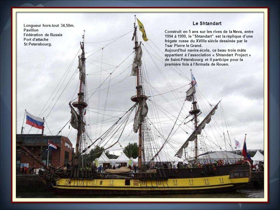 Le Puissant. Remorqueur portuaire du port maritime de Rouen, il a été construit aux Chantiers et ateliers de la Perrière à Lorient en 1981.