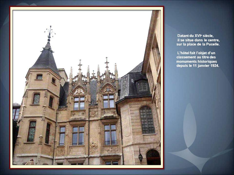 Hôtel de Bourgtheroulde Guillaume II le Roux, décida à la fin du XVe siècle de se faire construire un hôtel en pierre digne de son rang. Tourelle poly