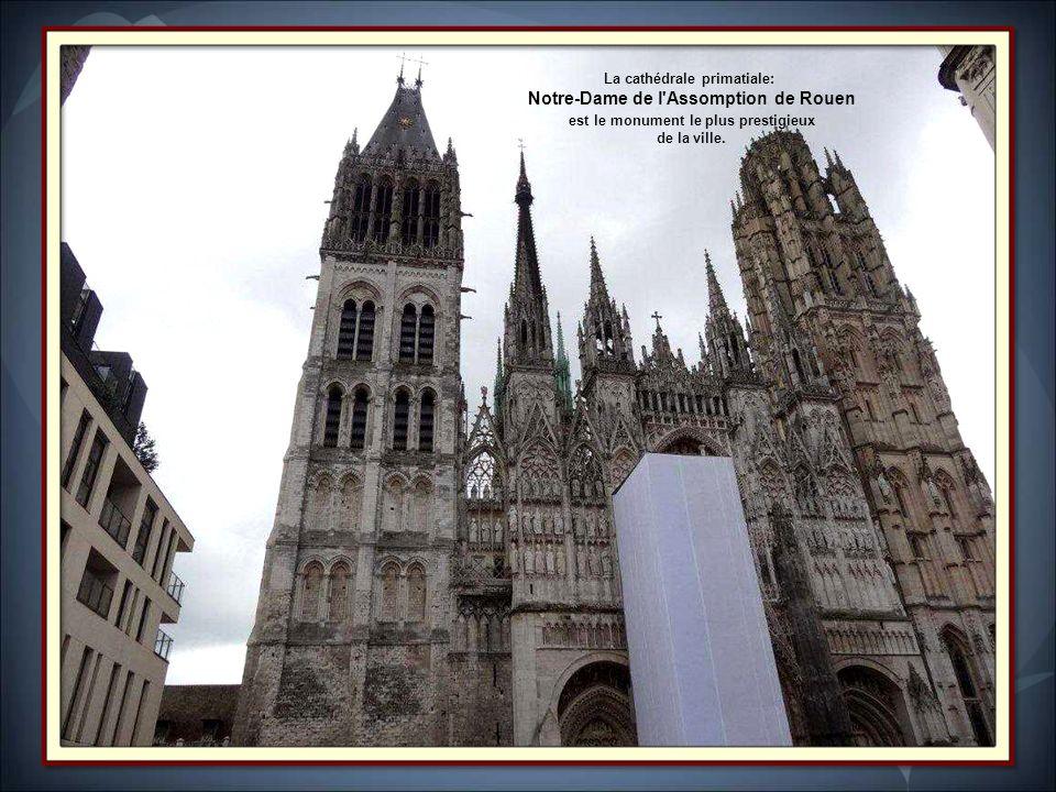 Le palais de justice de Rouen est construit entre la fin du XV e siècle et le XX e siècle. Ancien siège du parlement de Normandie, il fait lobjet dun