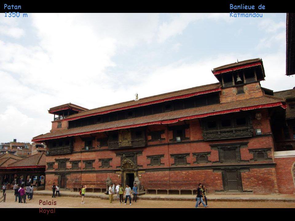 Patan 1350 m Banlieue de Katmandou Palais Royal Cour Mul Chowk