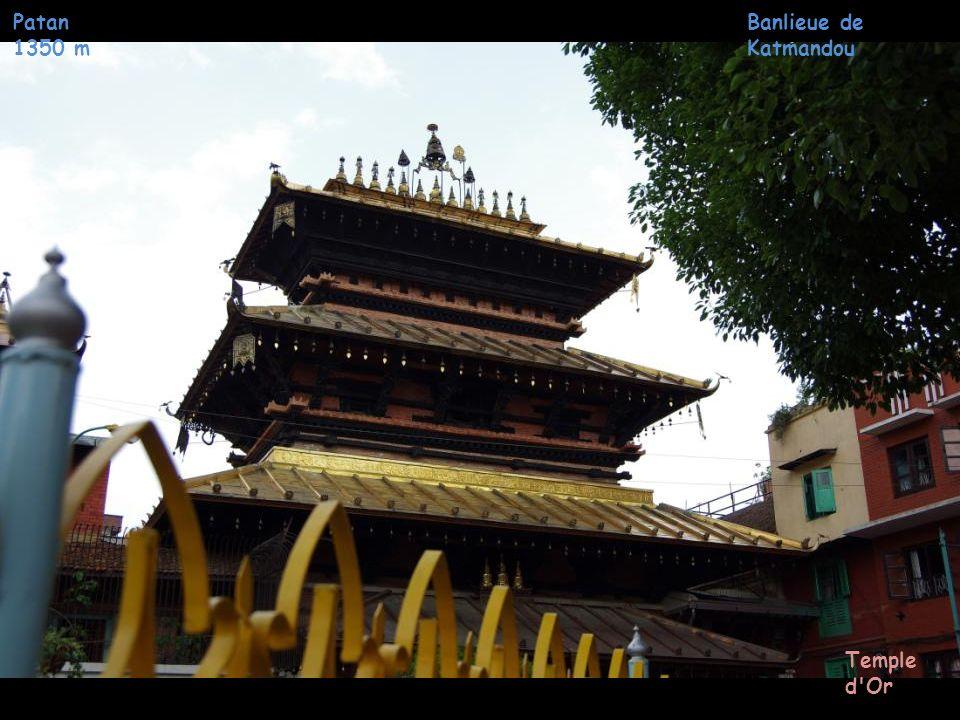 Patan 1350 m Banlieue de Katmandou Durbar Square (Place Royale)