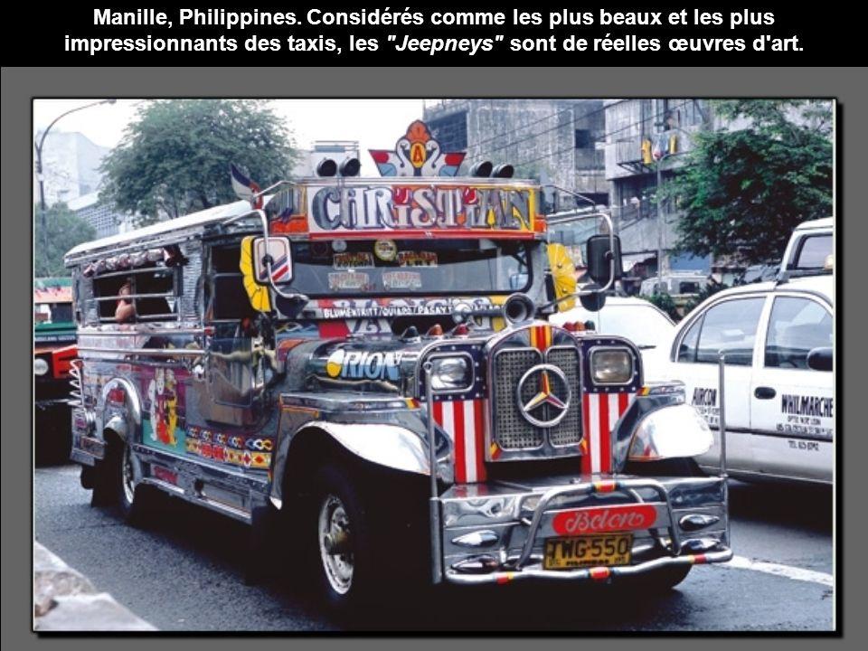 Manille, Philippines. Considérés comme les plus beaux et les plus impressionnants des taxis, les
