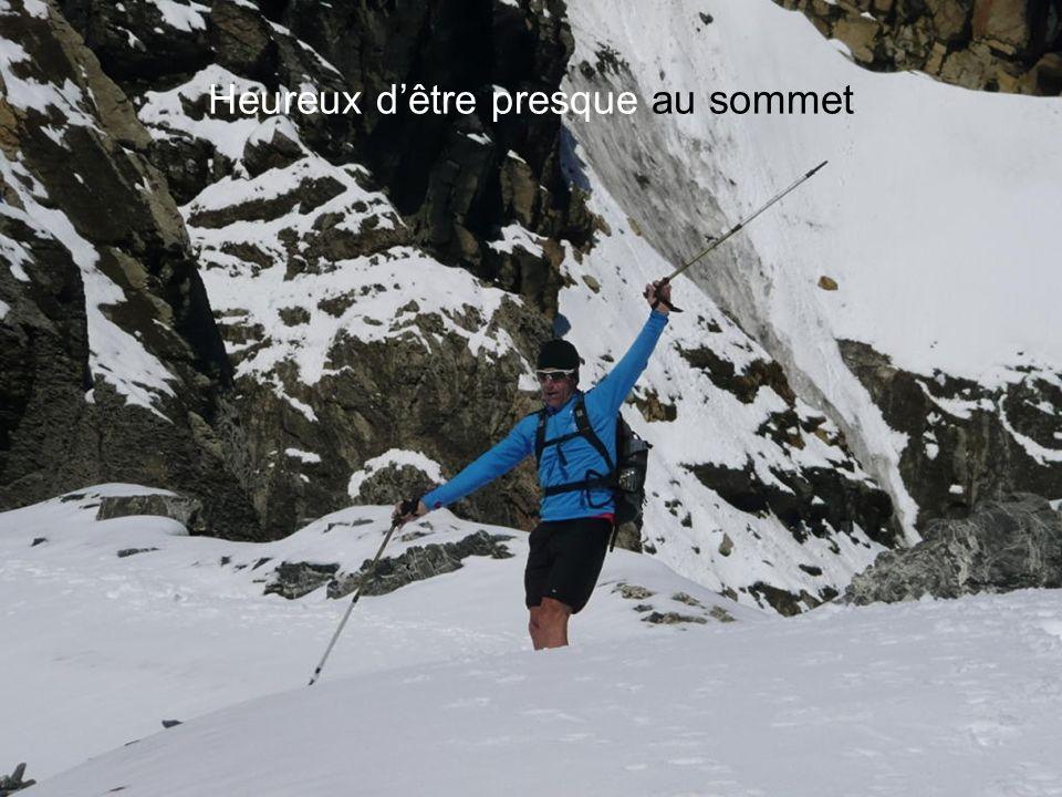 Je lui fait la trace : histoire de ne pas trop le fatiguer !! Bientôt le sommet, quelques sifflements bien connus motivent Hugues (hein Patrick !!)