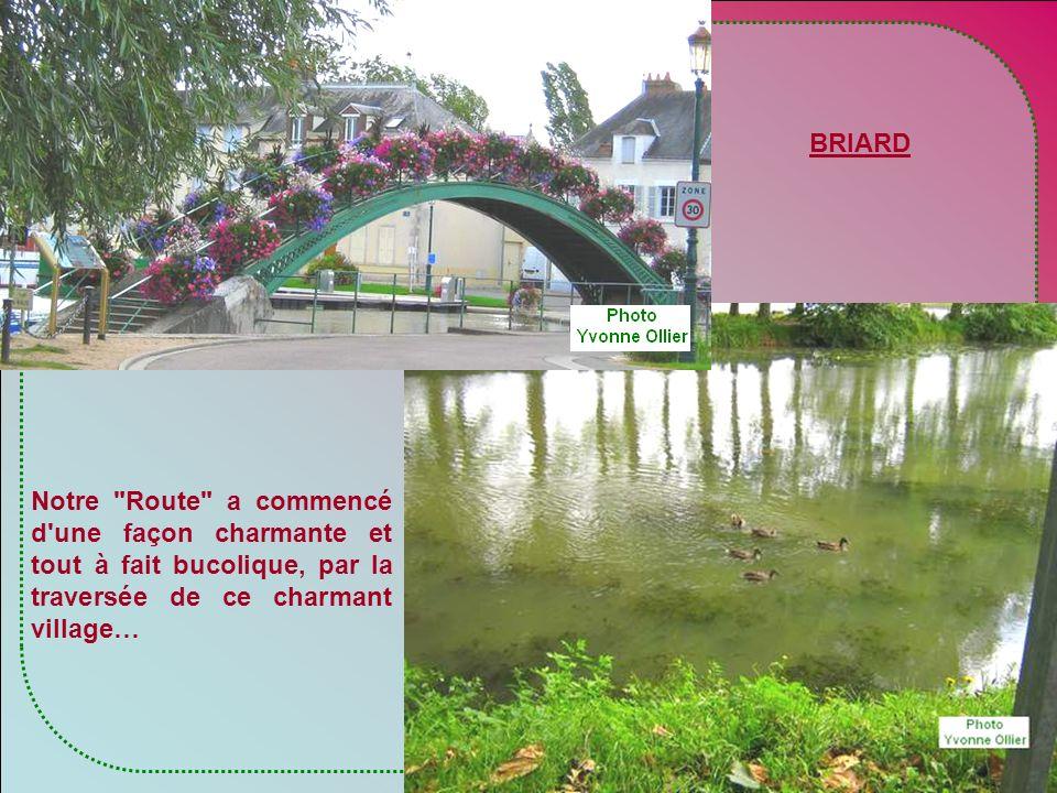 Courant dans le Berry, s'allongeant de part et d'autre de Bourges, la route Jacques Cœur offre un ensemble de demeures prestigieuses, nobles castels o