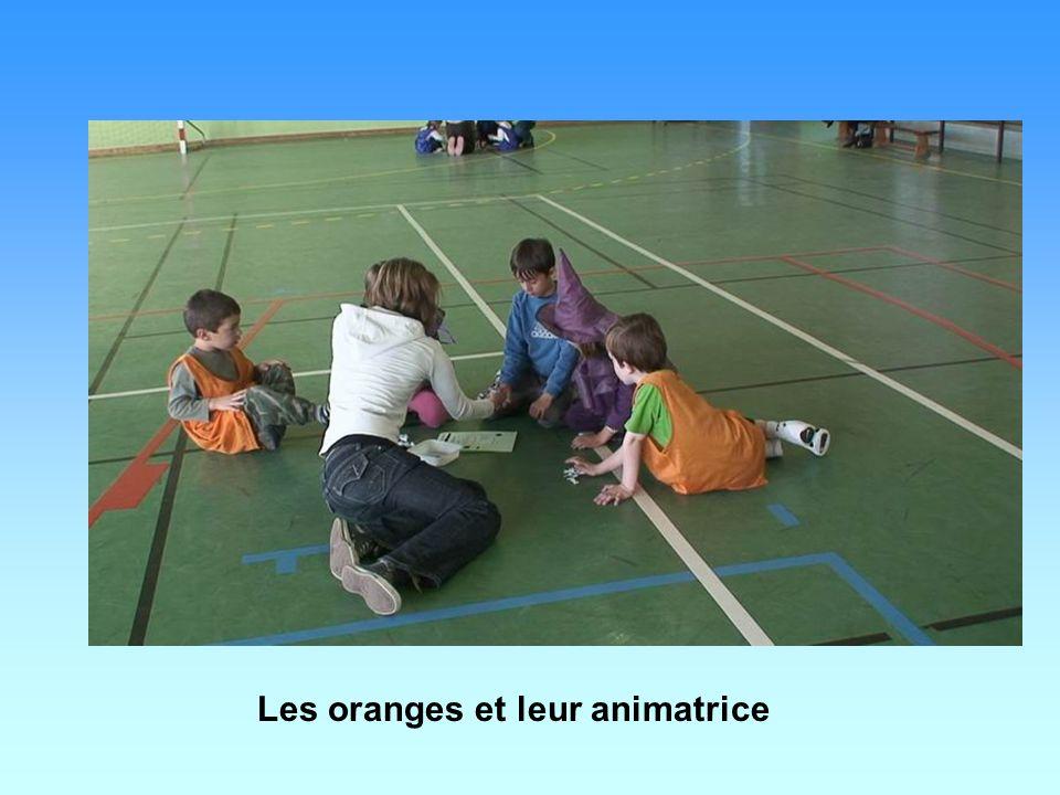 Les oranges et leur animatrice