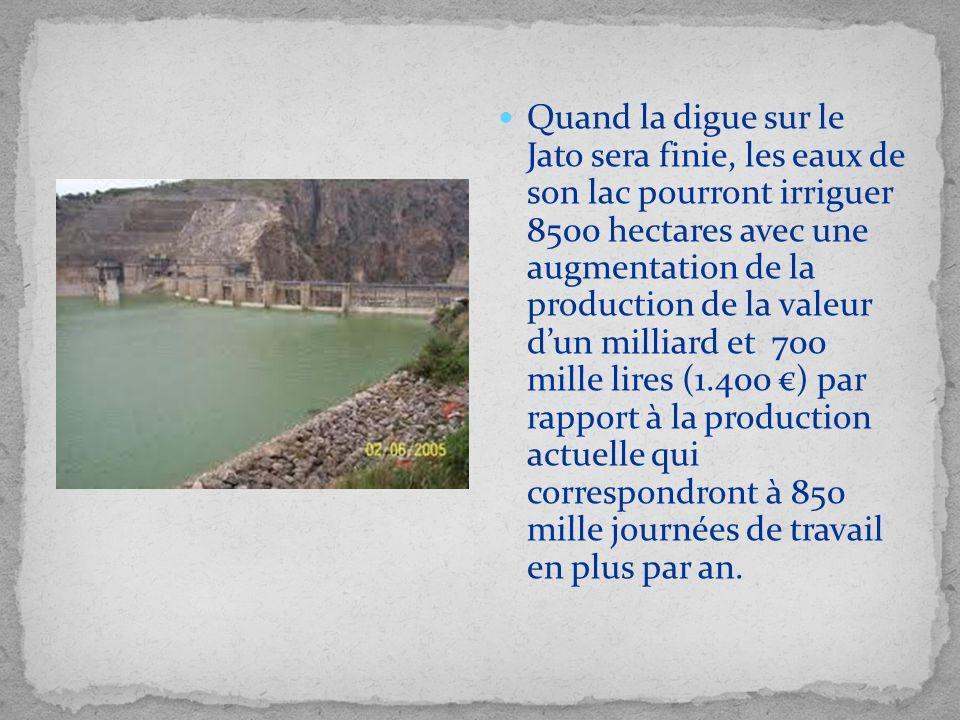 Quand la digue sur le Jato sera finie, les eaux de son lac pourront irriguer 8500 hectares avec une augmentation de la production de la valeur dun mil