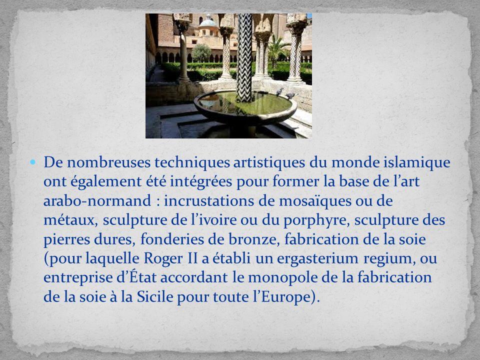 De nombreuses techniques artistiques du monde islamique ont également été intégrées pour former la base de lart arabo-normand : incrustations de mosaï
