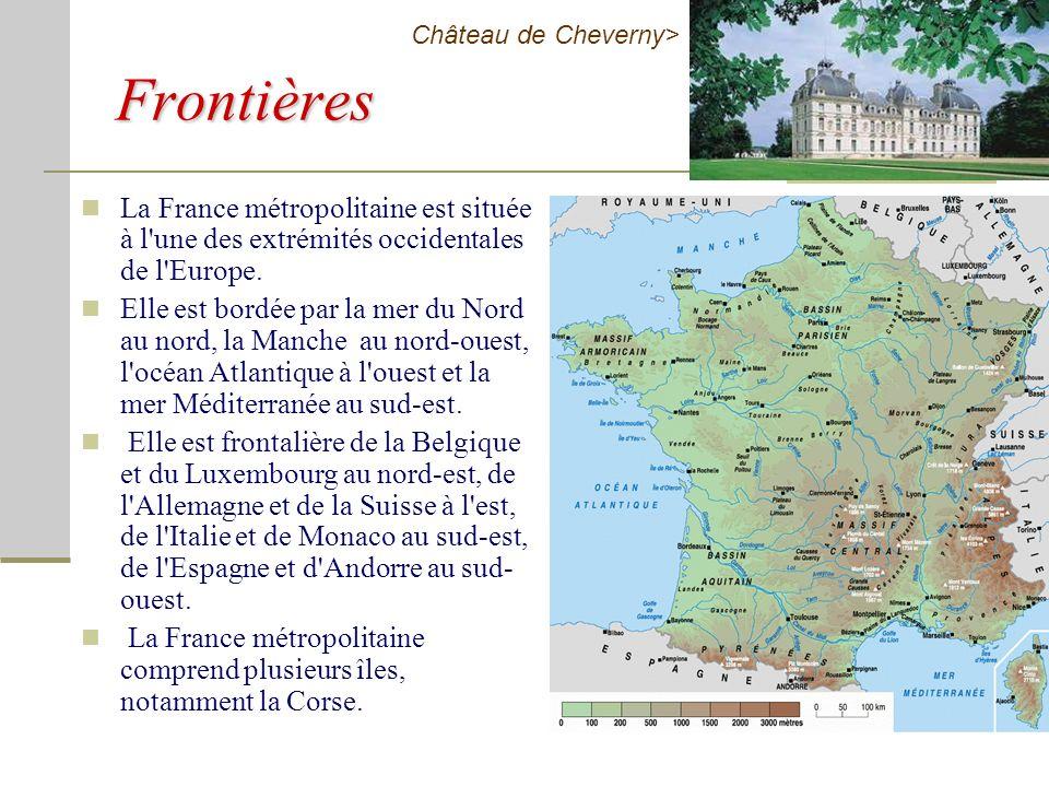 Selon la constitution de la Cinquième République, la France possède plusieurs emblèmes, datant pour l'essentiel de la Révolution française. Le drapeau