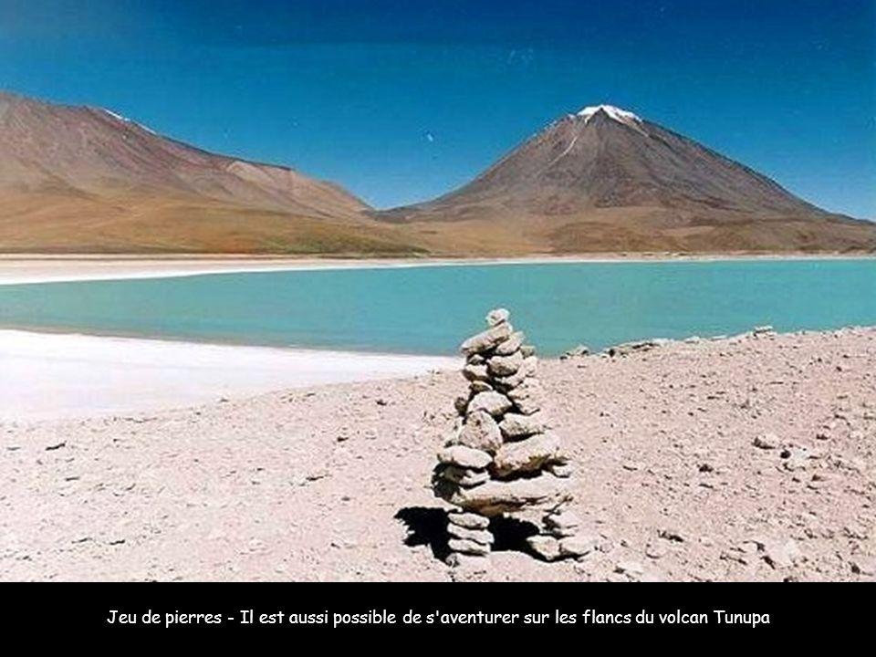 La population bolivienne est à majorité indienne : elle perpétue ainsi des traditions ancestrales et préserve une part de mystère.
