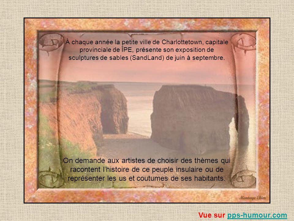 Des sacs de pomme de terre, sur une palette, attendent dêtre chargé sur un bateau Vue sur pps-humour.compps-humour.com